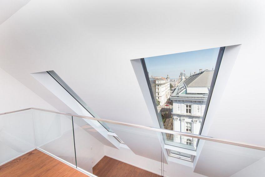 Будинок-пам\'ятка архітектури в Австрії з сучасними даховими вікнами FAKRO